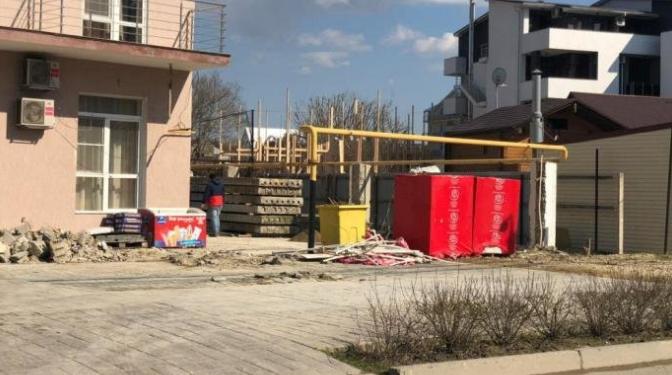 Был роллет и больше нет: в Анапе сносят нелегальные постройки (Фото)