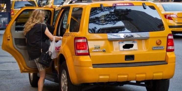 Житель Анапы думает, что туристы должны передвигаться не на автобусах, а на такси